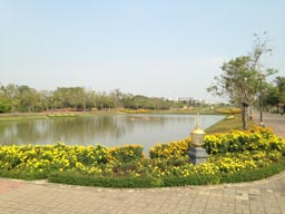 suan luang country estate style lakes